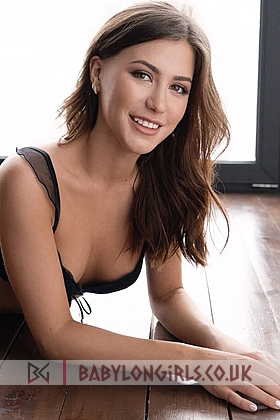 21 yrs Leonida irresistible brunette, 34B