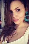 5ft 7, 34C, seductive brunette Florecita